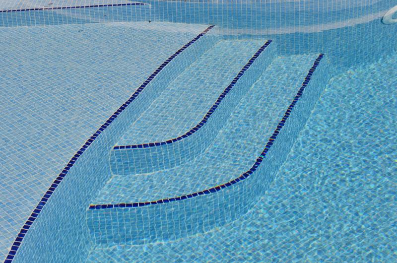 2-piscine-mosaique-blm