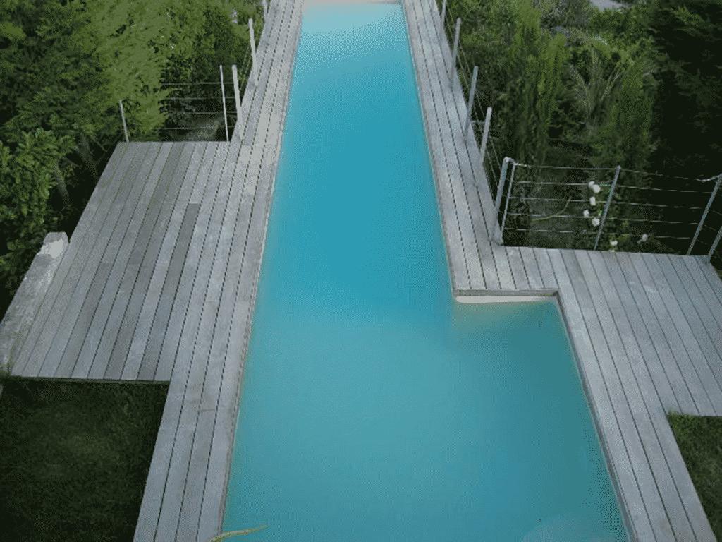 construction de piscine dans le vide couloir de nage